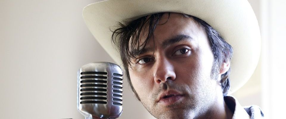 A Chat with Artist of the Month: Shakey Graves